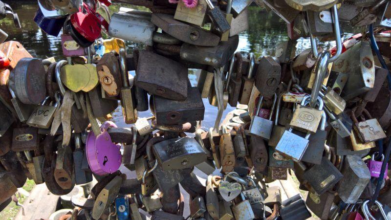 Tips voor Riga: Vermanes Park slotjesbrug