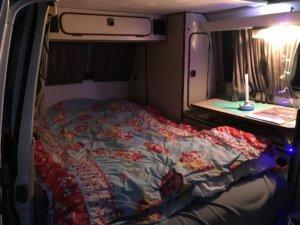 Slapen in een VW T3 bus