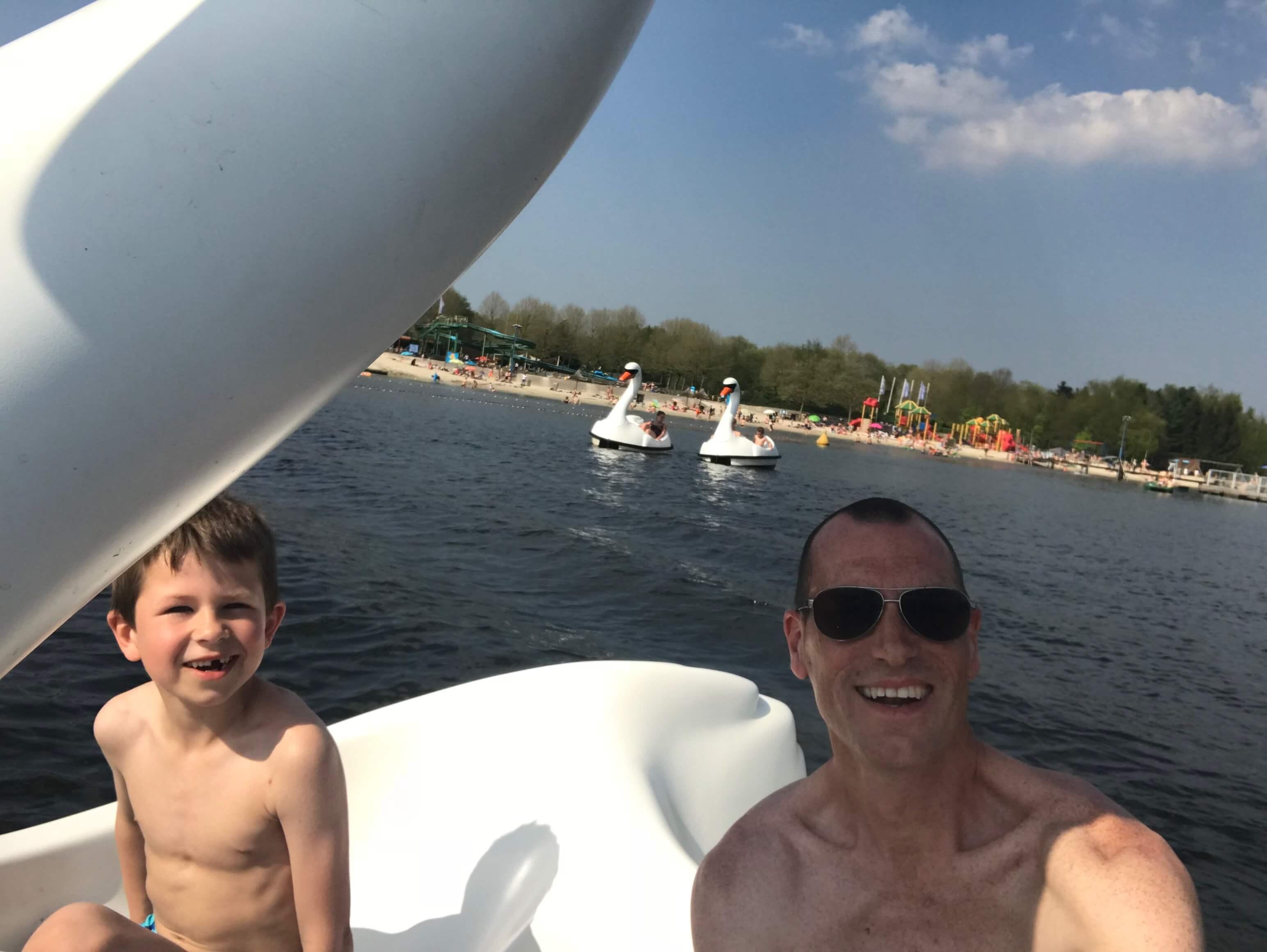 Waterfiets in speelland Beekse Bergen
